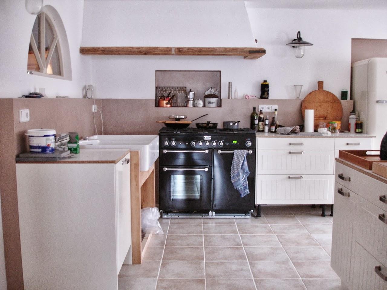 BROCANTE -CHARMANTE: Küchenschlacht
