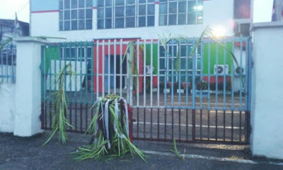 Ungodly  Persons Seal Off APC Secretariat with charm | Photos