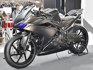 Honda-Rilis-Harga-CBR250RR-Lebih-Mahal-7-Jutaan-Dengan-Yamaha-R25