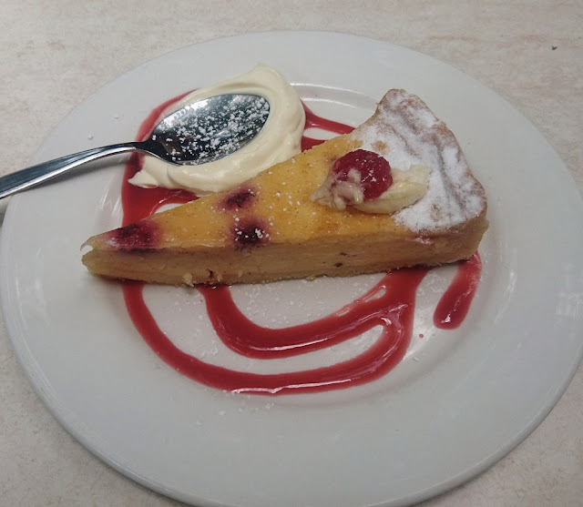 Warran Glen Garden Centre & Cafe, Warrandyte, raspberry tart