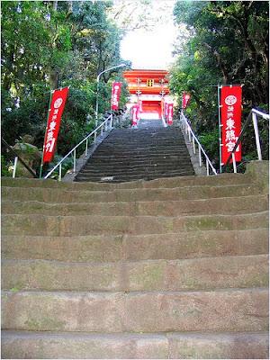 บันได 108 ขั้น ศาลเจ้าคิชู โทโชกุ (Kishu Toshogu Shrine)