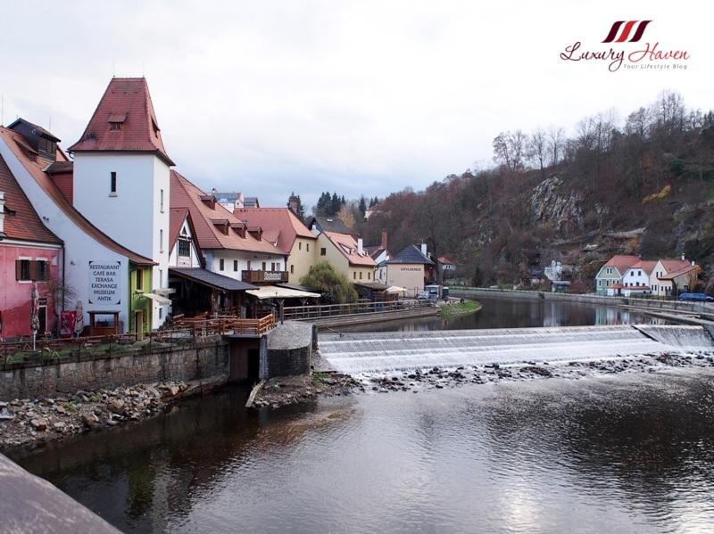 eu holidays eastern europe cesky krumlov vltava river