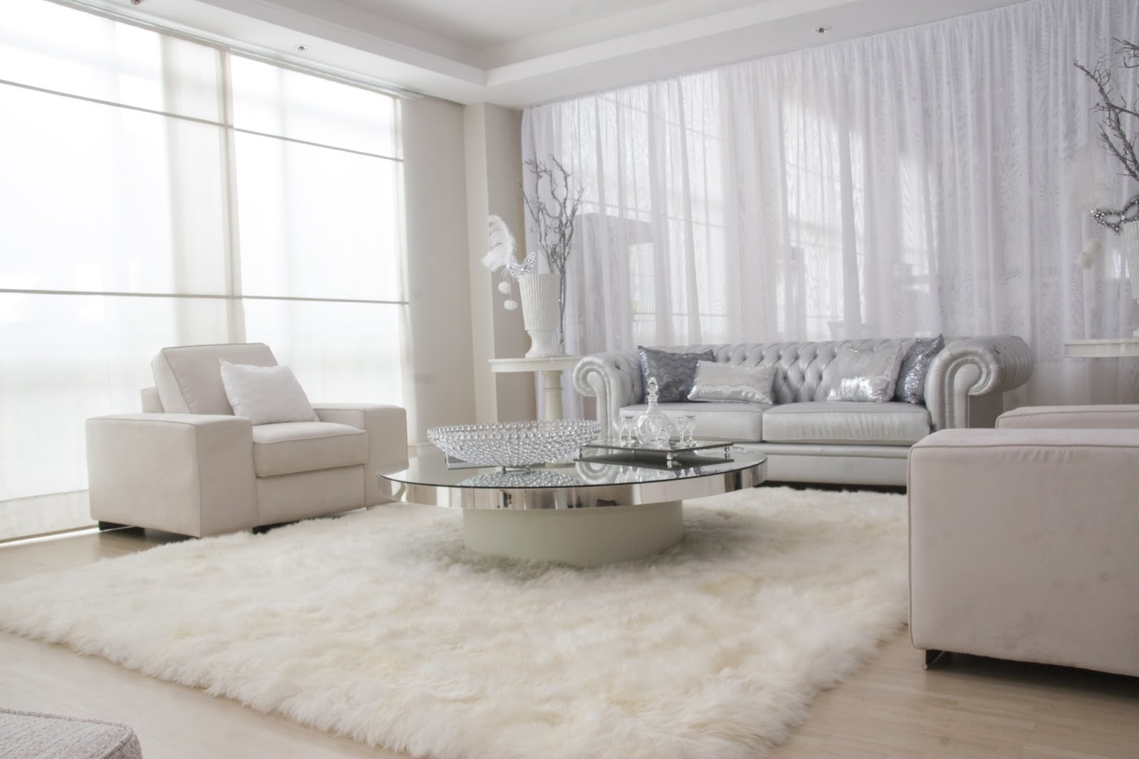 White Living Room Silver Accessories ! Home Decor