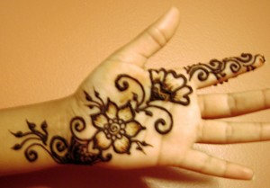 Latest and Best Simple Floral Mehndi Desing 2016