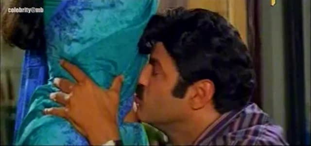 Navel kiss simran