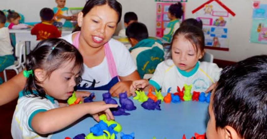MINEDU: Colegios públicos y privados deben destinar dos vacantes por aula para niños con discapacidad - www.minedu.gob.pe