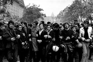 Cabeza de una manifestación de mayo del 68 en París.