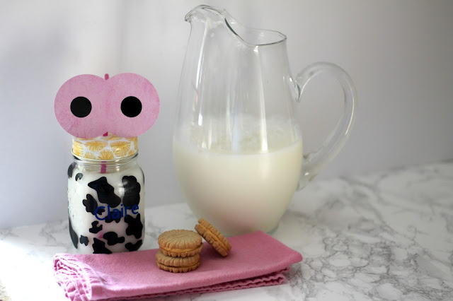 Mason Jar Cow Glass tutorial, vinyl cow cup tutorial
