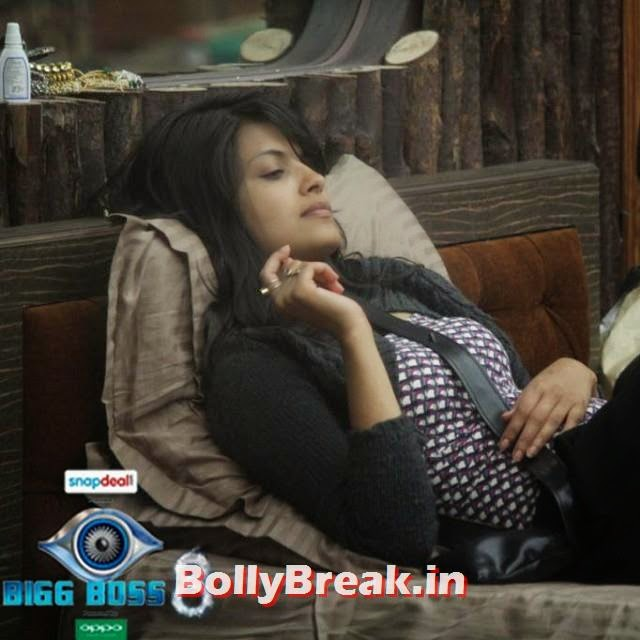 sonali raut, is upset with gautam after the adaalat task! . . is he losing out on everyones trust, in the house??? , .  bigg boss , love, being salman khan,, sonali raut bigg boss 8 Photos