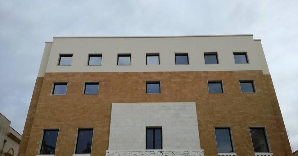 La nuova facciata del municipio di Mazara del Vallo