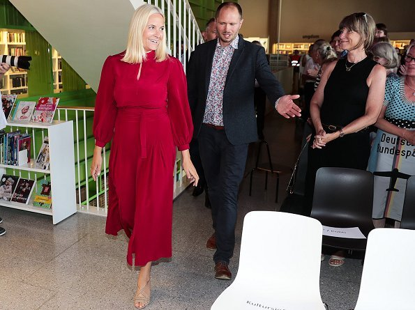Crown Princess Mette-Marit wore RAQUEL DINIZ Armonia Silk Georgette Dress