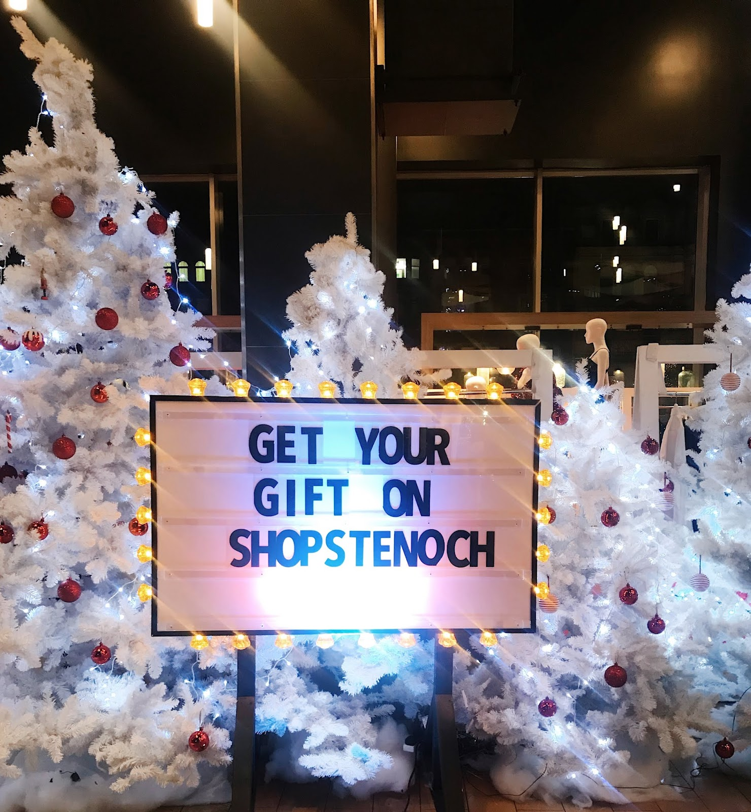 Christmas Shopping With St Enoch Centre