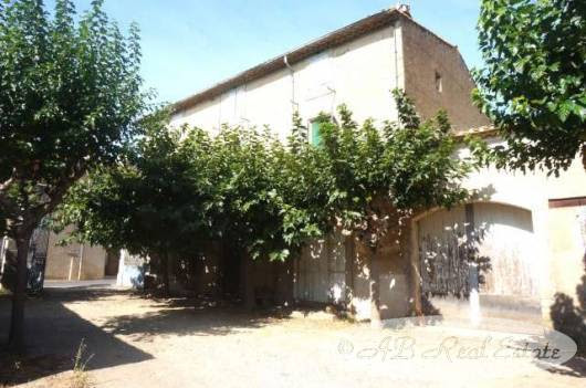 #Pézenas area: *** Reduced Price *** Authentic Old Winemaker's House