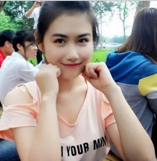 Bercinta Bersama Mahasiswi Cantik, Anak Didik Ibuku