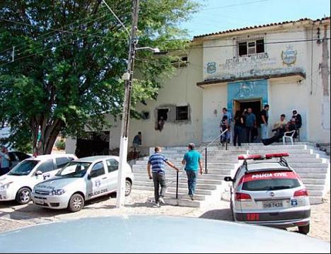 Juiz determina interdição parcial da Delegacia Regional de Polícia de Delmiro Gouveia