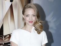 Official Spoken Boyfriend, Amanda Seyfried may be Unique Ring