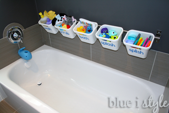 Stylish bath tub toy storage