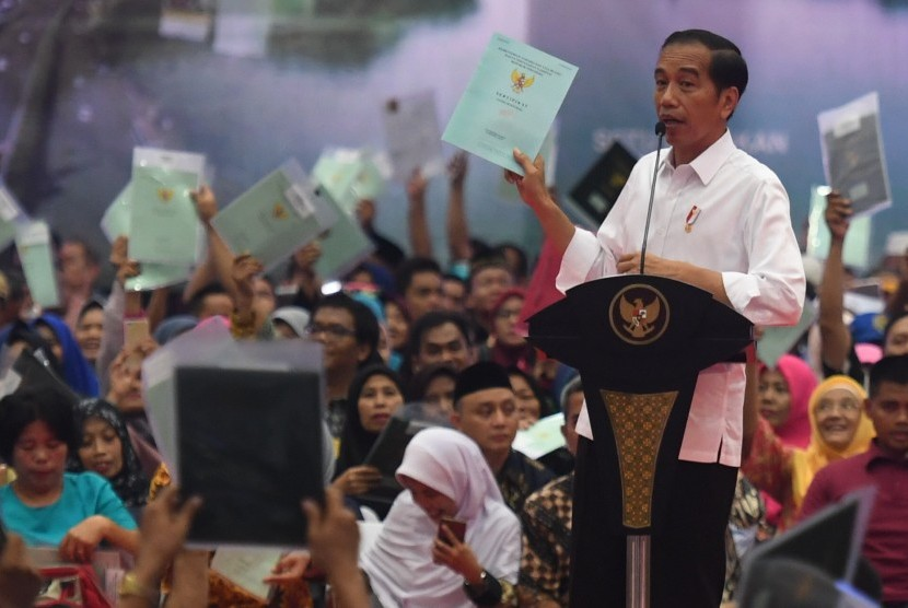 Jokowi medsos isinya fitnah semua