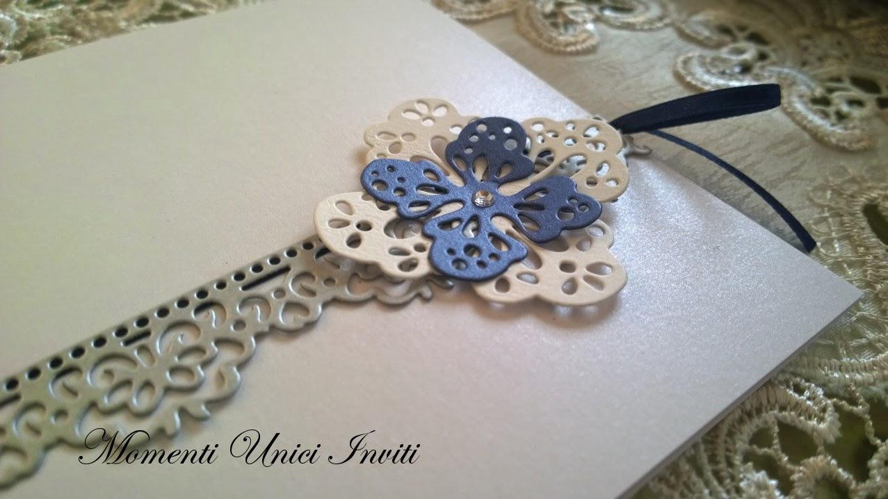"""blib Partecipazione con fiori """"pizzettosi""""Colore Argento Colore Blu"""