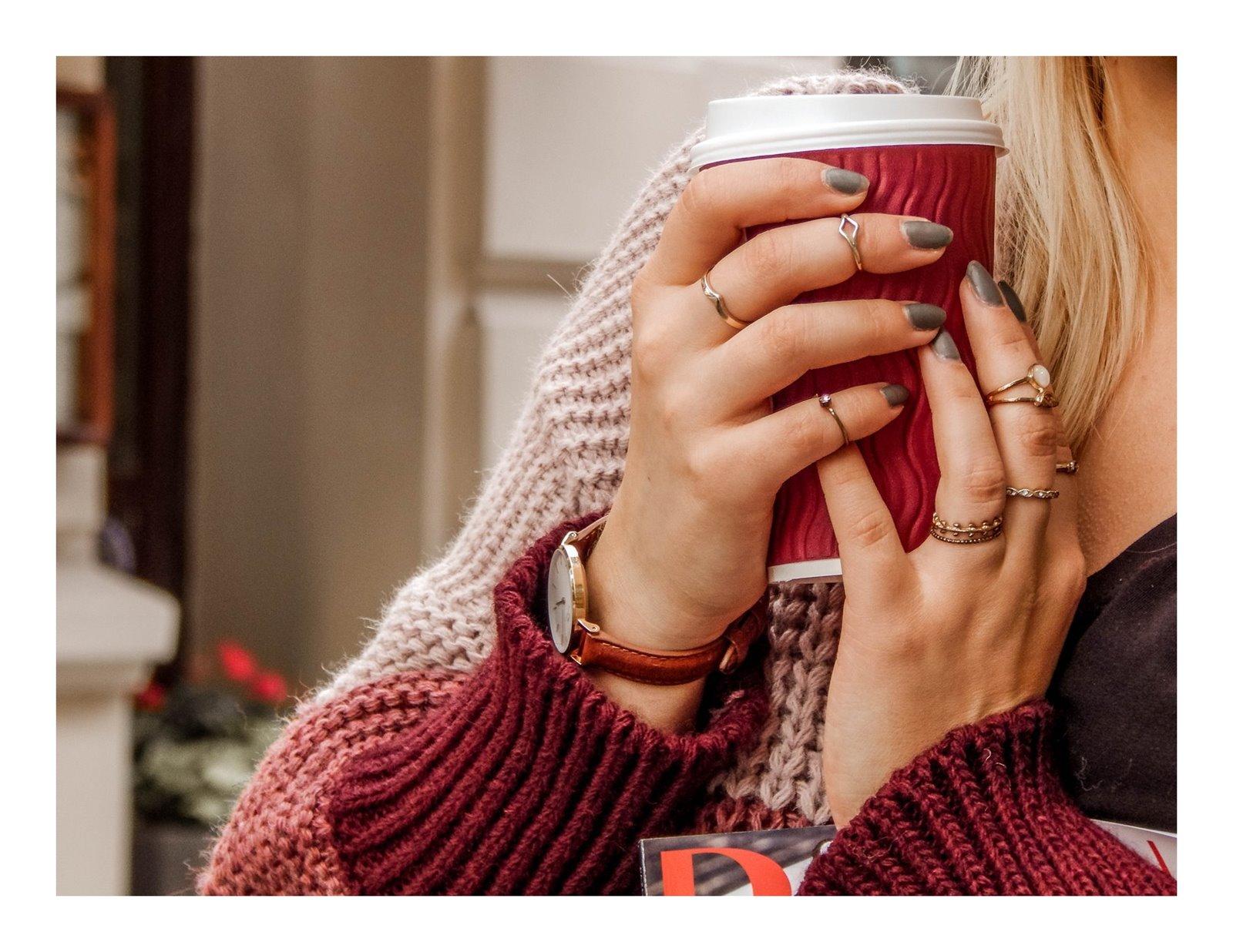 10 detale zegarek daniel wellington złote pierścionki pomysł na stylizacje prezent modnapolka łódź outfit jak nosić swetry owersize kolorowe ubrania na jesień co jest modne jesień zima 2018 blondynka kolory włosy