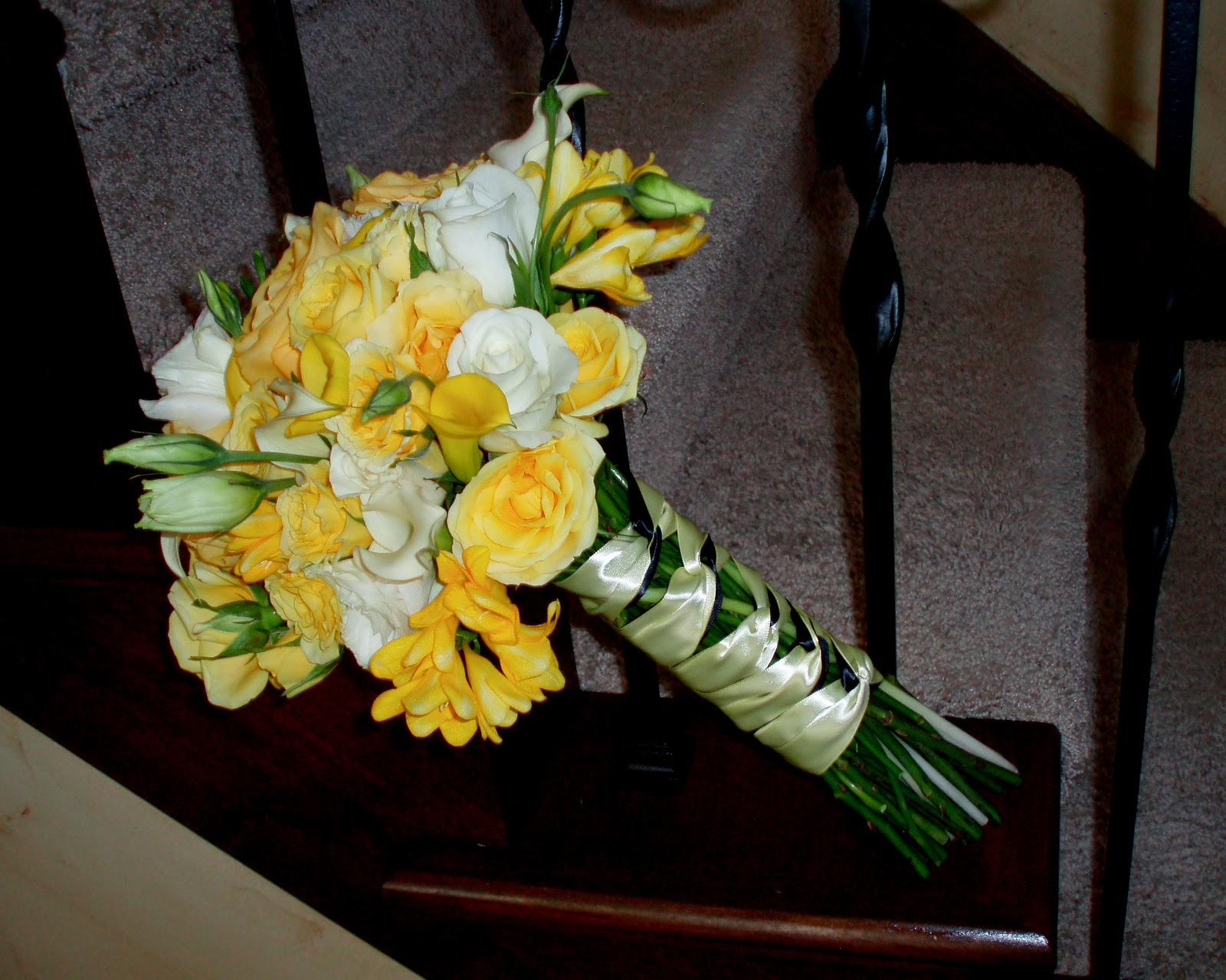 The Flower Girl Blog: Yellow And White Wedding