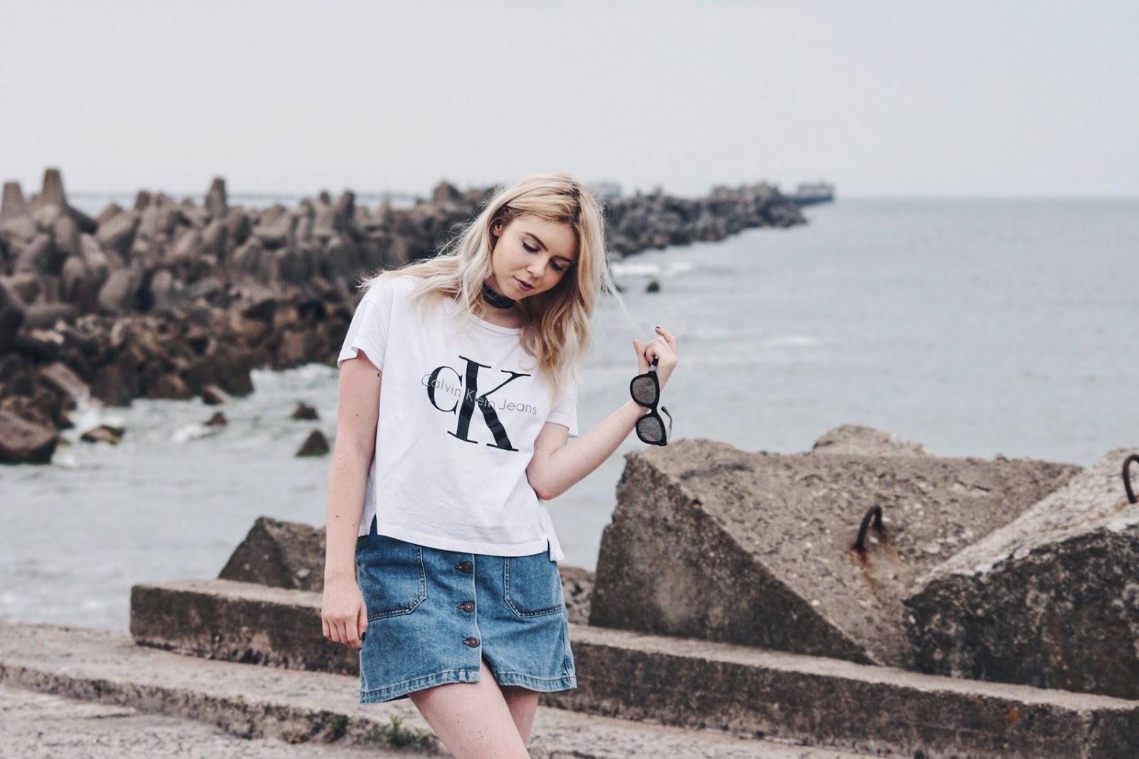 Calvin Klein tshirt, Zara denim skirt, Adidas Stan Smith outfit