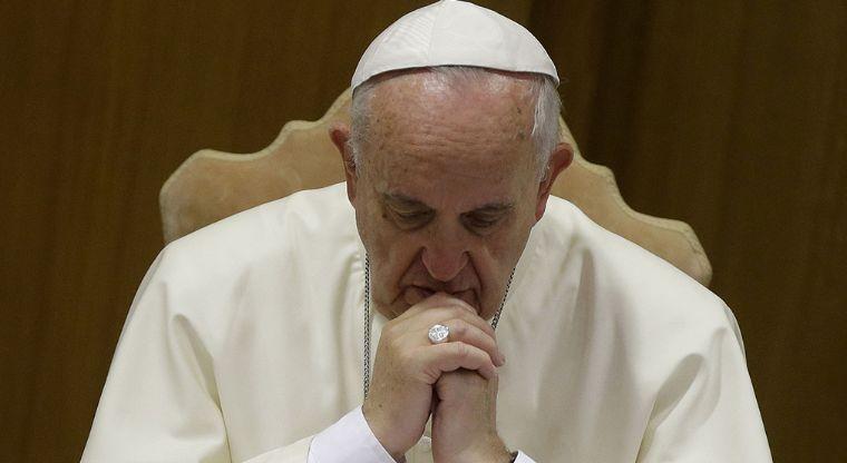 Teólogos, sacerdotes y académicos acusan al Papa de propagar herejías