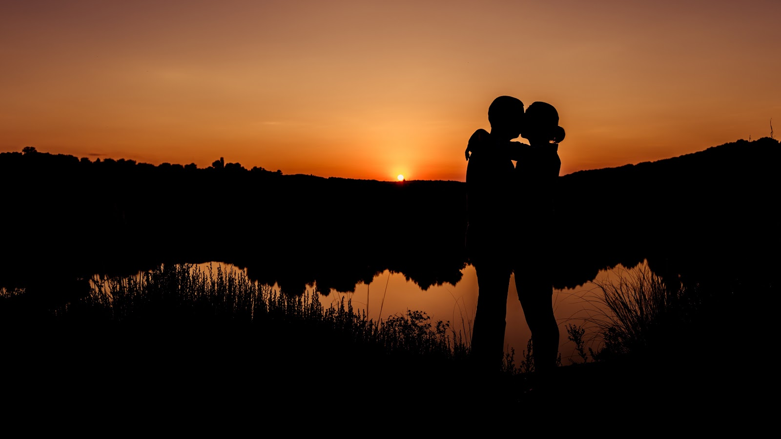 love couple kiss images | 50+ romantic hd wallpapers, pics whatsapp