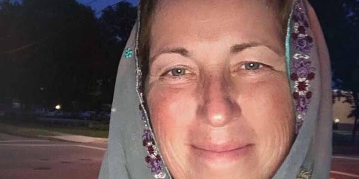 Lisa Suhay Kecanduan Islam Saat Ramadhan