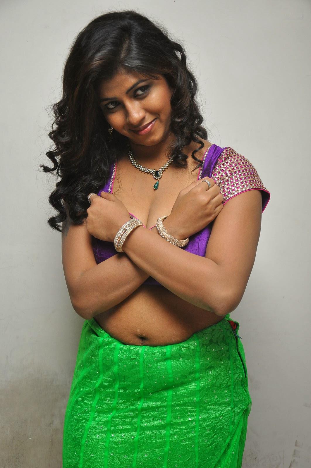 Andhra Hot Aunty Geetanjali Saree Removing Wantedly -8993