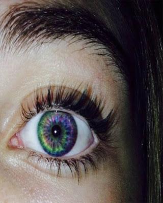 foto tumblr de ojo de colores
