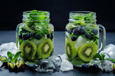 Kiwi Blueberry Mojitos perfect for a party
