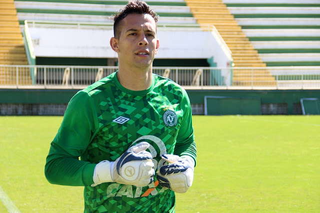 O goleiro de 31 anos foi levado com vida ao hospital, mas não resistiu. Ele fez defesa espetacular que garantiu a vitória sobre o San Lorenzo
