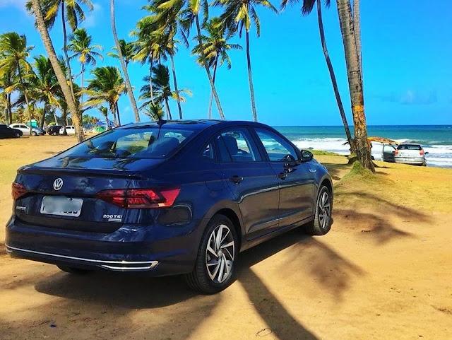 Volkswagen Virtus Azul Night