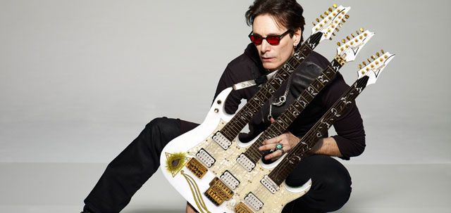 Guitarra de Steve Vai Ibanez Jem Triple Mástil