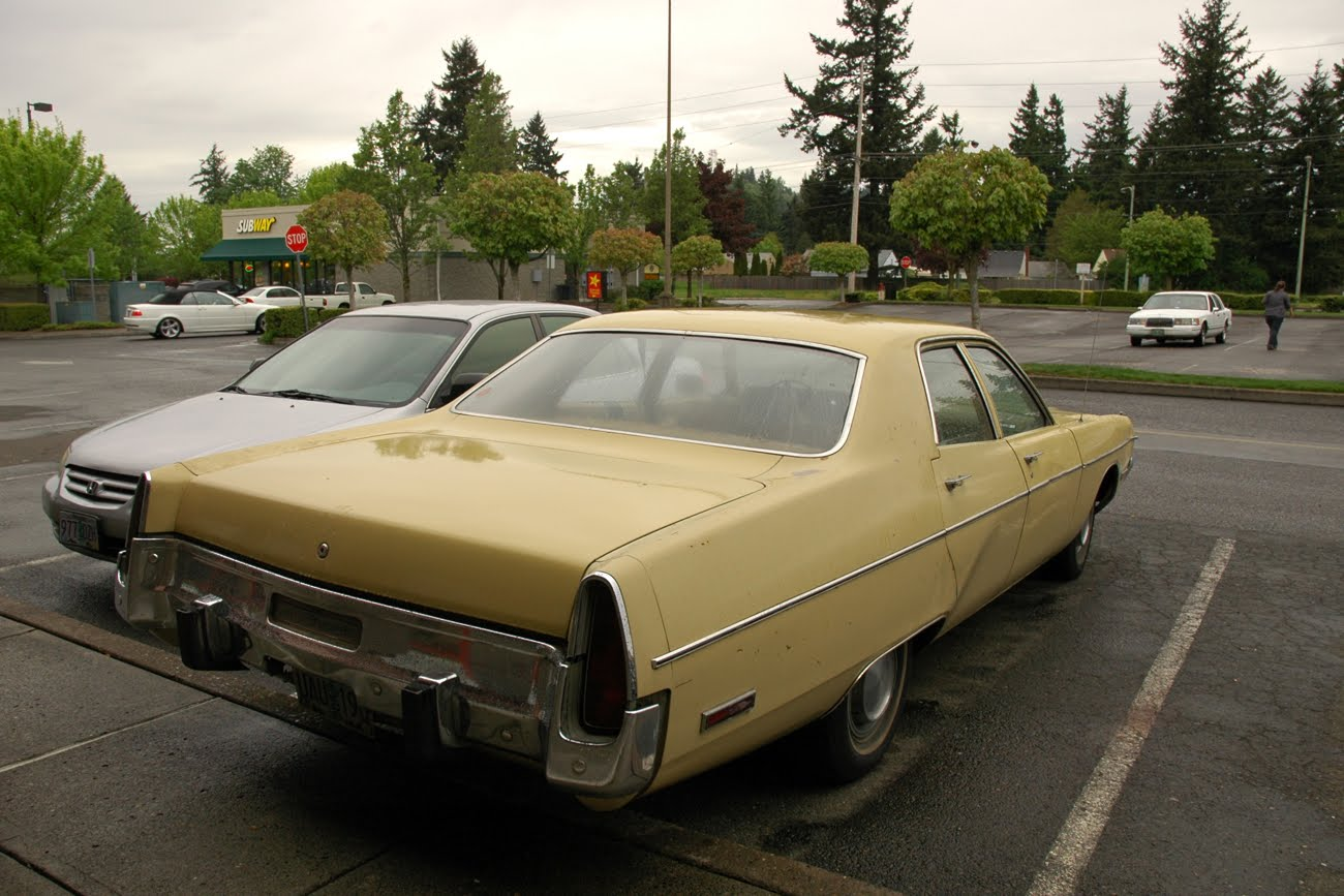 1973+Plymouth+Fury+III+4+Door+Sedan+Four