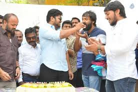 manchu manoj-cuts-birthday-cake