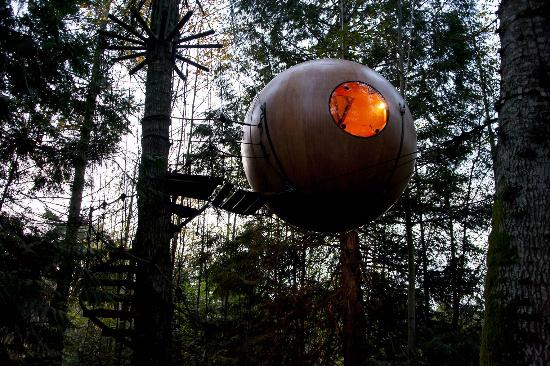 12 strangest hotels where you can stay