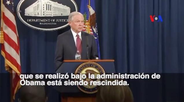 El secretario de Justicia de Estados Unidos, Jeff Sessions, anunciando el fin del DACA