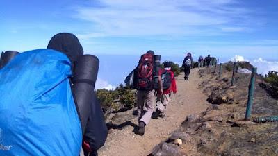Persiapan fisik mendaki gunung