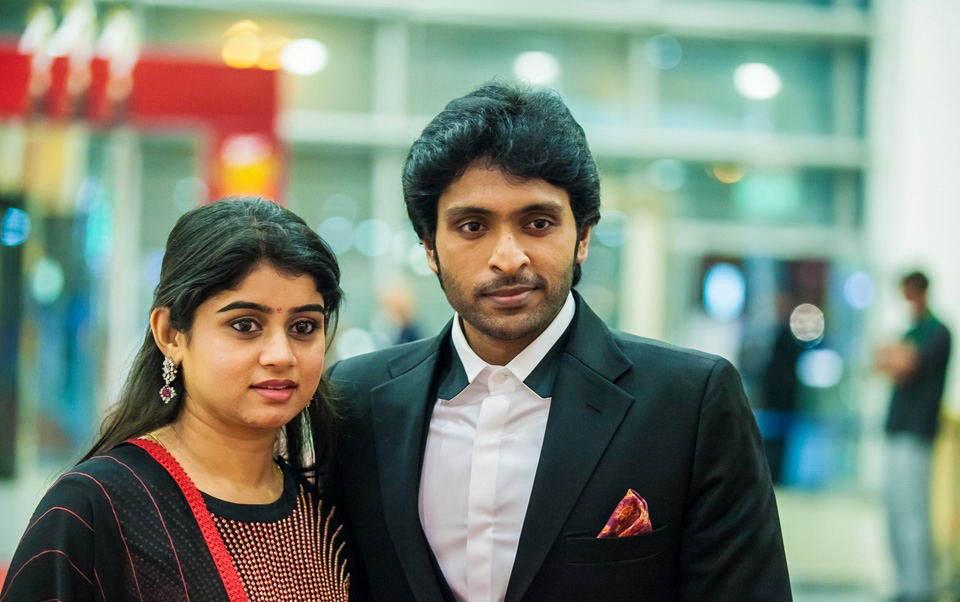 Vikram Prabhu With his Wife at SIIMA Awards 2013   Veethi