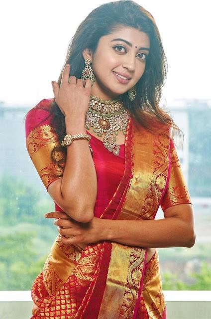Actress Pranitha at Kalasha Fine Jewellers