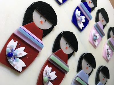 Kokeshi Japanese Asian Ornament Handmade Glass Fused Sharon Warren FluterbyButterfly FlutterbyFoto Layer