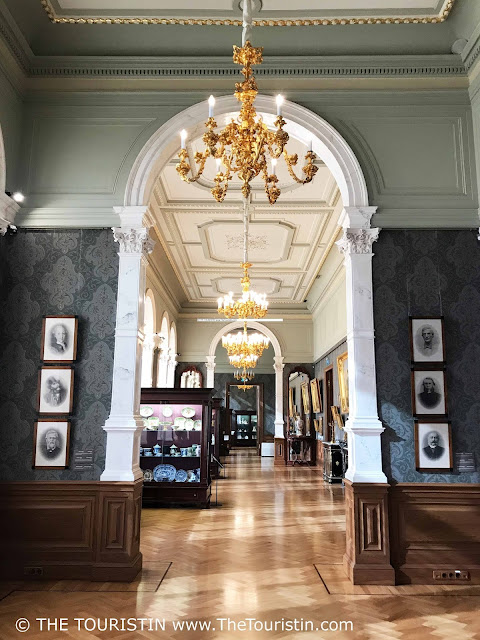 Art Museum Riga Bourse doorway decoration