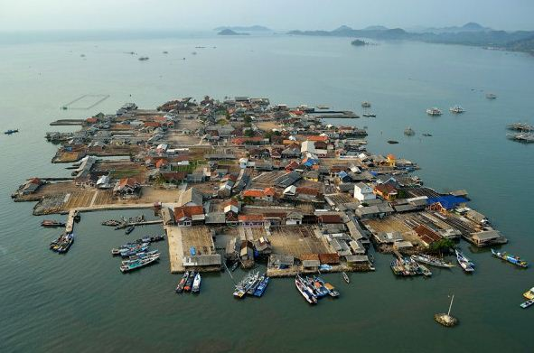 Pulau Pasaran dari Drone (sebelum dibangun Jembatan)