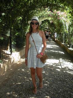 http://conndenoemi.blogspot.com.es/2015/08/rayas-marineras-en-la-alhambra.html