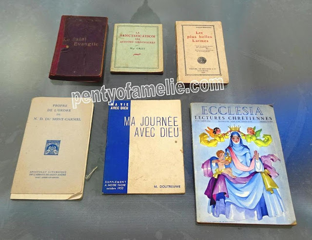 Vintage Books. Ecclesia Illustrated mag,Paperback Missals,Lady of Mount Carmel,The Holy Gospel, Daily Morning Prayer