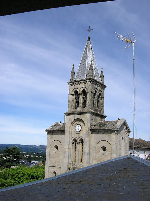 Iglesia de Santa María en Sarria