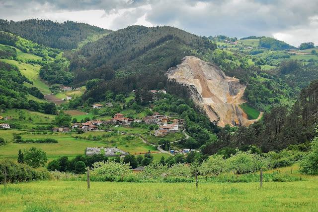 Cantera destruye paisaje en pueblo de Quintana Salas