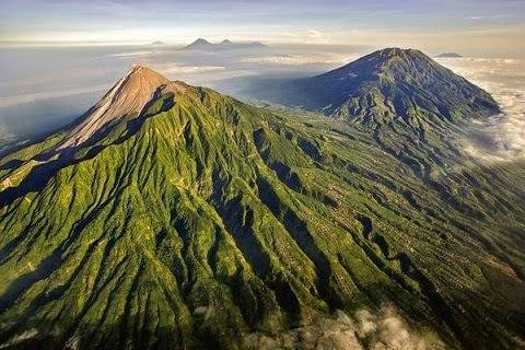 gunung merapi beberapa kali meletus hingga kini masih aktif